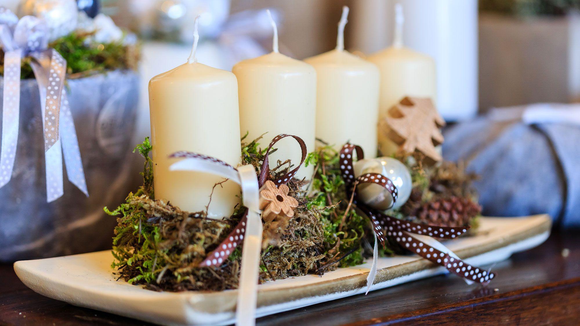 Centre de table de Noël rustique avec bougies