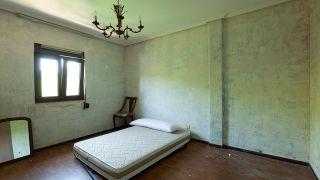 Chambre élégante et simple avec miroirs - Avant
