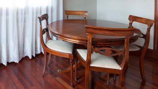 Comment peindre une table à manger en bois vierge - Étape 1