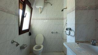 Décorer une salle de bain en bois et gris - Avant