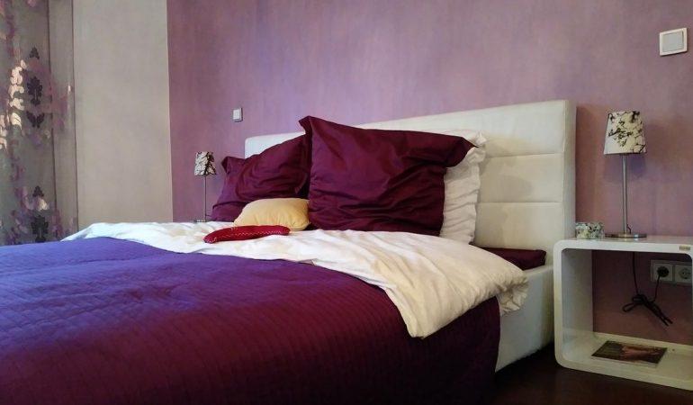 Erreurs-courantes-lors-de-la-decoration-dune-petite-chambre-double.jpg