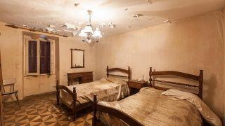 Rénover une chambre dans une maison abandonnée - Avant