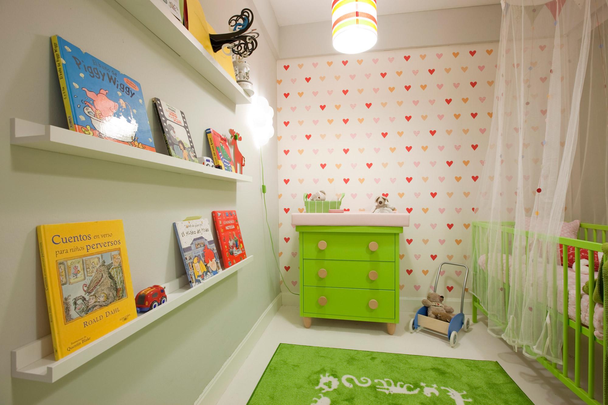 Chambre d'enfants confortable et fonctionnelle