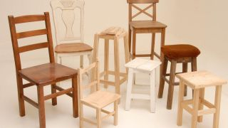 Peindre-des-chaises-en-bois-Decogarden.jpg