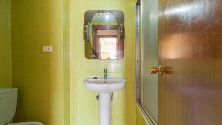 Salle de bain vintage rose et or brillant - Avant