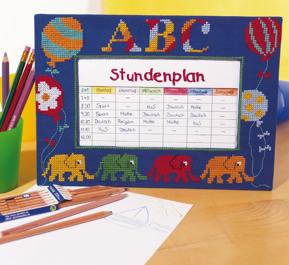 Table brodée pour calendrier de classe