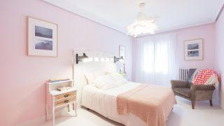 Chambre lumineuse de style Ibizan