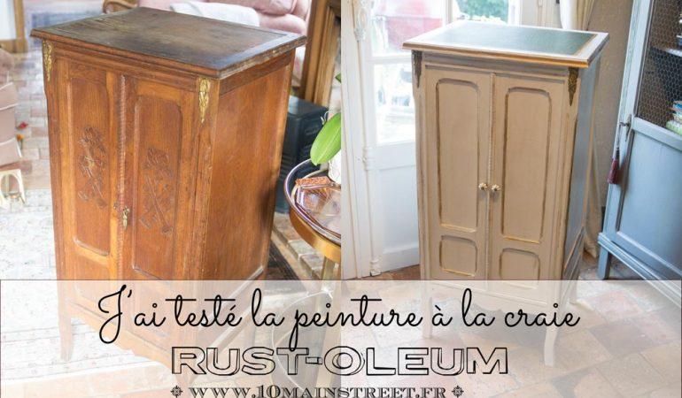 armoire-en-bois-vieilli-effet-peinture-craie
