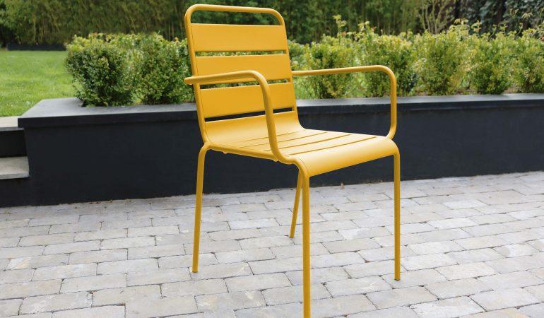 chaise-dexterieur-en-metal-bricomania