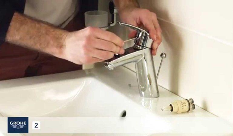changer-la-cartouche-ceramique-monocommande-dun-robinet