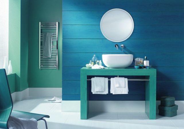 decor-de-salle-de-bain-en-vert-et-bleu