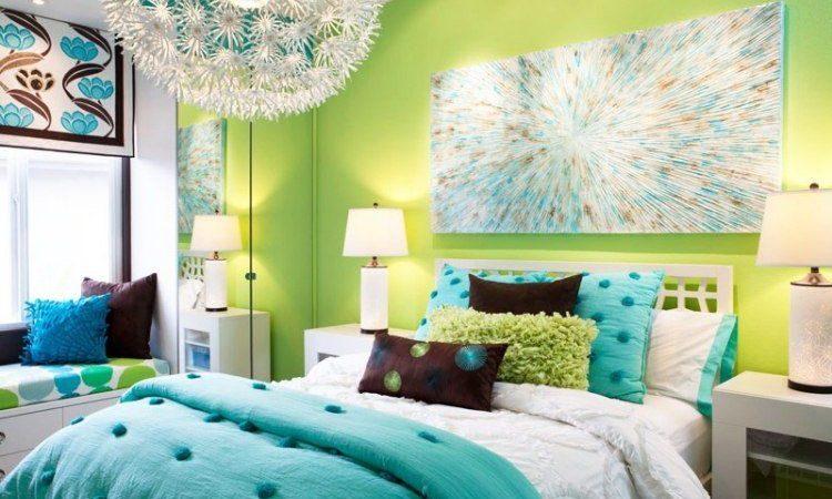 decoration-de-lit-avant-en-bleu-et-vert-pistache