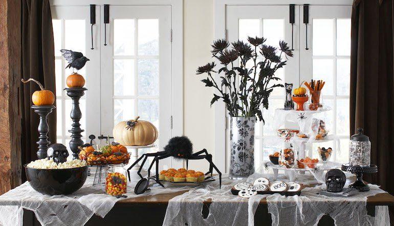 decorez-une-table-pour-halloween-en-noir-et-blanc