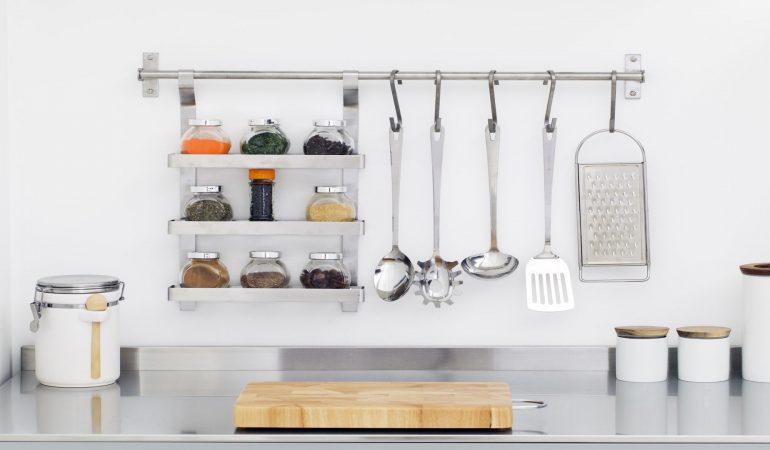 fixation-des-accessoires-de-cuisine