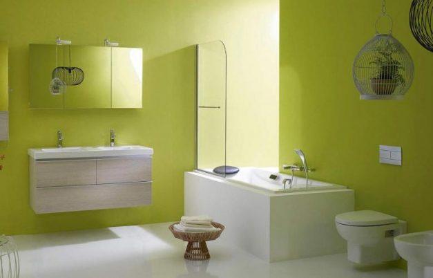 grande-salle-de-bain-en-vert