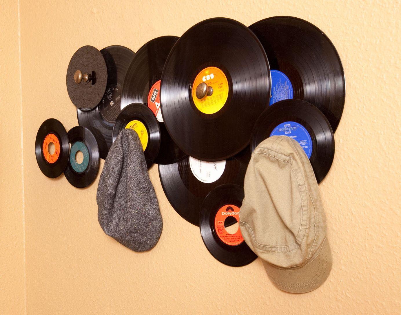 Faire un porte-manteau en vinyle