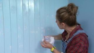 Couvrir les stries, les trous et les imperfections dans le bois avec de la peinture mal couvrant étape 2