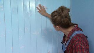 Couvrir les stries, les trous et les imperfections dans le bois avec de la peinture mal couvrant étape 4