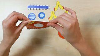 Comment fabriquer une fusée en papier Étape 2
