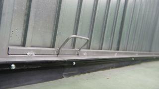 Joint en caoutchouc sur la porte de garage