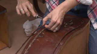 Recyclez une commode vintage majestueuse et baroque Étape 2