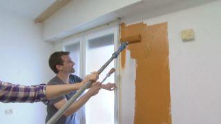 Chambre jaune avec frise en bois étape 1