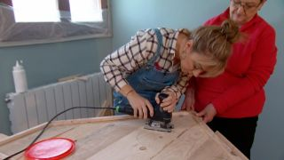 Décorez la chambre des enfants country avec une tête de lit rouge - étape 5