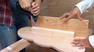 décorer une chambre d'enfants avec un bureau et une frise en bois - étape 7