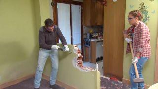 Décorez le salon avec cuisine ouverte en bois - étape 1