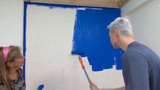 Décorez la chambre des jeunes bleu avec une frise lumineuse - étape 2