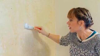 Fixateur de papier pour des murs impeccables