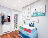 Décorez une salle lumineuse et colorée