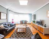 Décorez un salon spacieux et lumineux