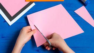 Comment faire une enveloppe de lapin Étape 2