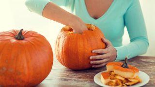 Comment sculpter une citrouille pour Halloween - Étape 2