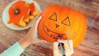 Comment sculpter une citrouille pour Halloween - Étape 1