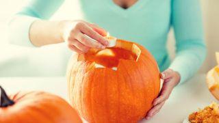 Comment sculpter une citrouille pour Halloween - Étape 3