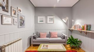 Chambre chaleureuse et confortable en gris