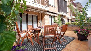 Terrasse d'été, ludique et confortable