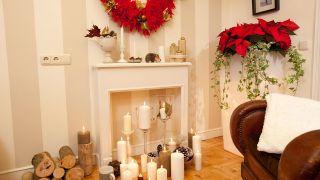 Étape par étape pour décorer une cheminée et une couronne de Noël - Étape 18