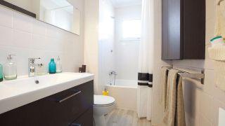 Mettre à jour une petite et ancienne salle de bain, sans faire aucun travail!  - Étape 10