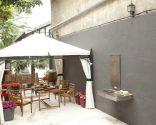 Terrasse harmonieuse, confortable et colorée