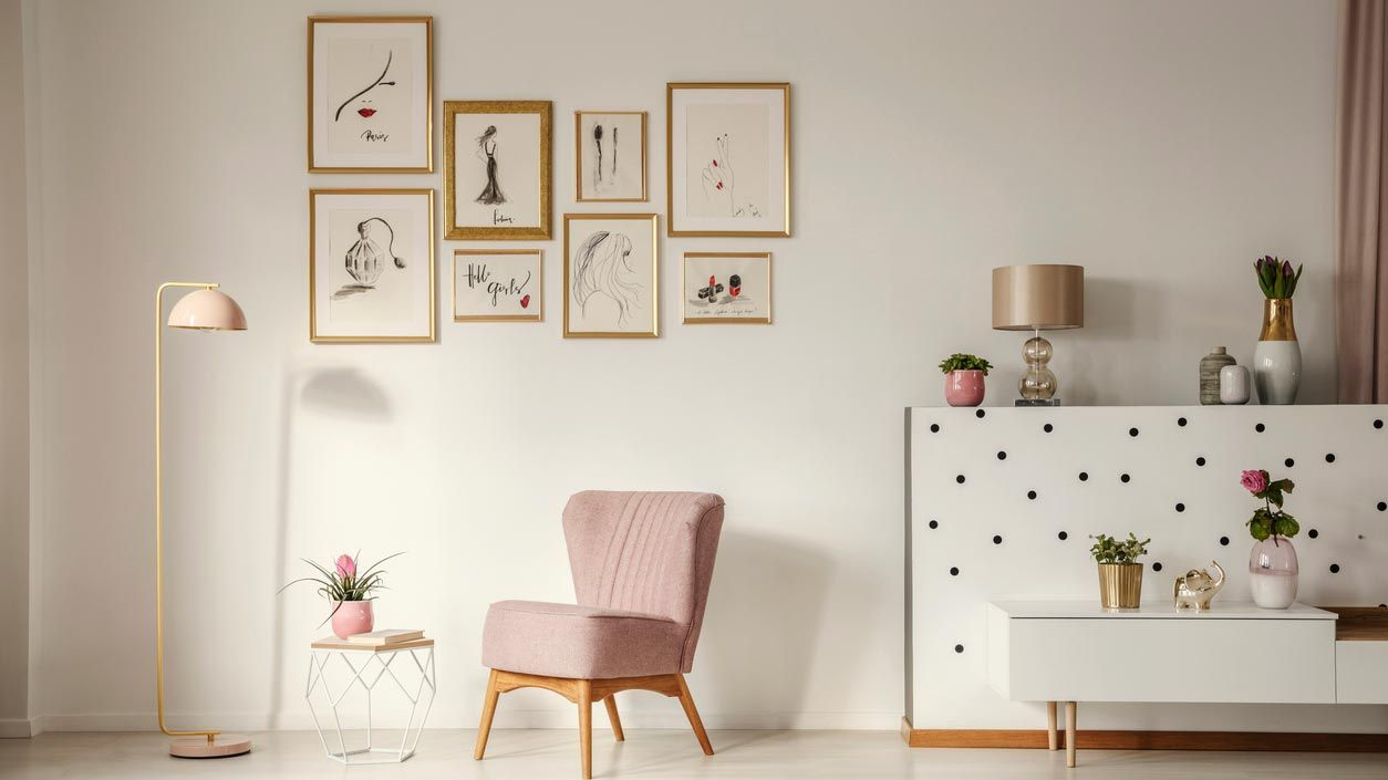 Petits tableaux et imprimés pour décorer une petite pièce