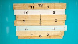 Comment faire une horloge en bois géante