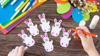 Couronne de lapin de Pâques à faire avec les enfants en quarantaine - Étape 3