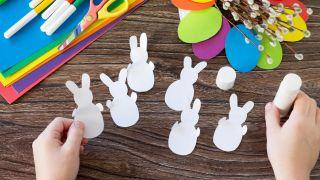 Couronne de lapin de Pâques à faire avec les enfants pendant la quarantaine - Étape 2