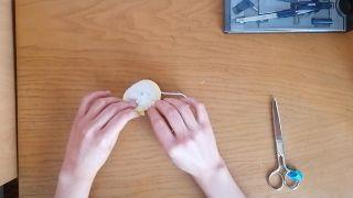 Comment faire un pompon en laine - Étape 8