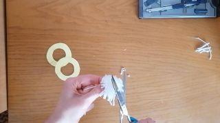Comment faire un pompon en laine - Étape 10