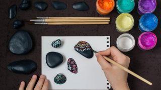 Comment peindre des coquilles et des pierres avec le pointillisme - Étape 2
