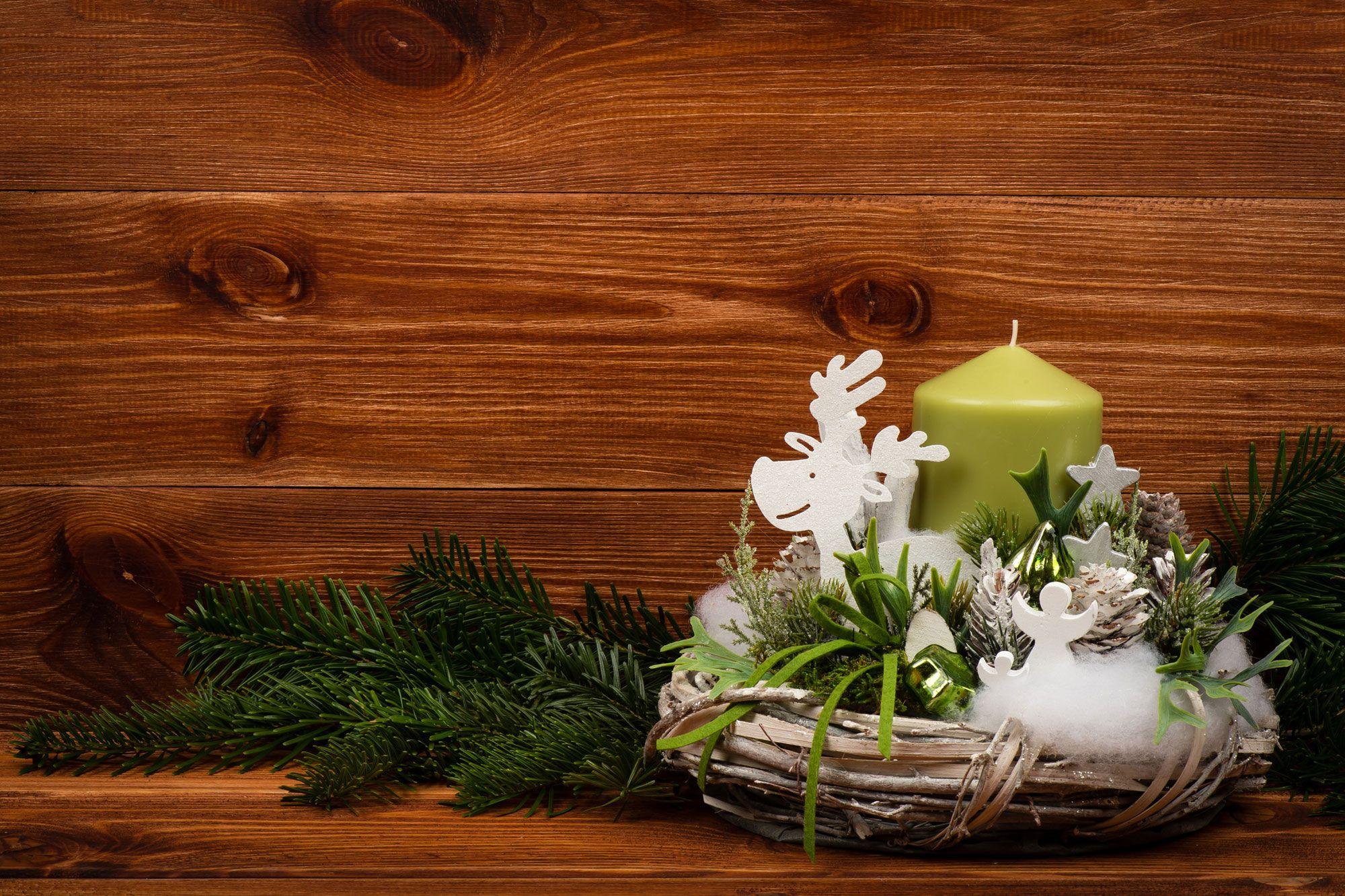 Centres de table avec des bougies pour Noël